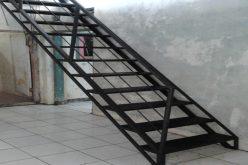 Jasa Pembuatan Tangga Besi di Tangerang   08118700799