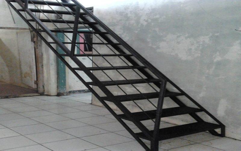 Jasa Pembuatan Tangga Besi di Tangerang | 08118700799